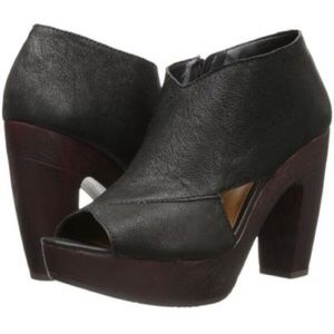 Lucky Brand Cerah black leather block heel bootie
